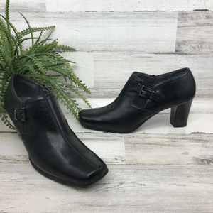 A2 Heelrest Aerosoles Black Booties [493s4]